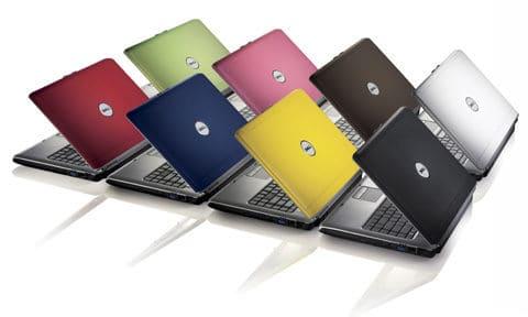 Za ok. 3000 zł możecie kupić laptopy 15,6 calowe, a więc uniwersalne, mniejsze i co najważniejsze mniejsze. Dopiero w okolicach tej ceny można mówić o wyborze wśród małych, mobilnych sprzętów, o wydajności podobnej to większych laptopów. Jeśli chodzi o ekrany – sporo laptopów posiada matryce matowe, polecane dla osób pracujących poza domem, choć niekoniecznie – matowy ekran podnosi komfort pracy właściwie w każdych warunkach. Rozdzielczość – nadal standardowo 1366x768, rzadziej 1920x1080 pikseli, choć jest już zdecydowanie więcej, niż wśród tańszych komputerów. Szczególnie duży wybór dostępny jest wśród laptopów firmy Acer. Generalnie widać duży przeskok, jeśli chodzi o komputery za 2500-3000 zł, lepsze kąty widzenia, kontrast, lepiej odwzorowane kolory. Moim zdaniem warto dołożyć te 500 zł. Jeśli chodzi o dyski – problemem nie będzie znalezienie hybrydy SDD i HDD, dzięki której komputer staje się dużo wydajniejszy. Tradycyjnych HDD radzę unikać. Aby poprawić wydajność warto również rozglądać się za modelami co najmniej z 6-8GB pamięci RAM. W okolicach 3000 zł standardem dodatkowo staje się wydajny procesor, co najmniej InterCore i5. Dla graczy polecamy kartę graficzną nVidia GeForce GT 650M, wypadającą w testach zdecydowanie najlepiej. Sporo modeli laptopów za ok. 3000 zł może się pochwalić właśnie taką kartą. Warto też zwrócić uwagę, czy komputer wyposażony jest w zintegrowanych układ Intel HD Graphics 400, czego śmiało można oczekiwać po komputerach w tej cenie. Na koniec: standard. Jakość wykonania, czas pracy na baterii, złącza, wymiar i waga. Po prostu porównujcie, sprawdzajcie, ugniatajcie, oglądajcie ze wszystkich stron.